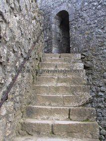 acceso a torre fortaleza Peyrepertuse