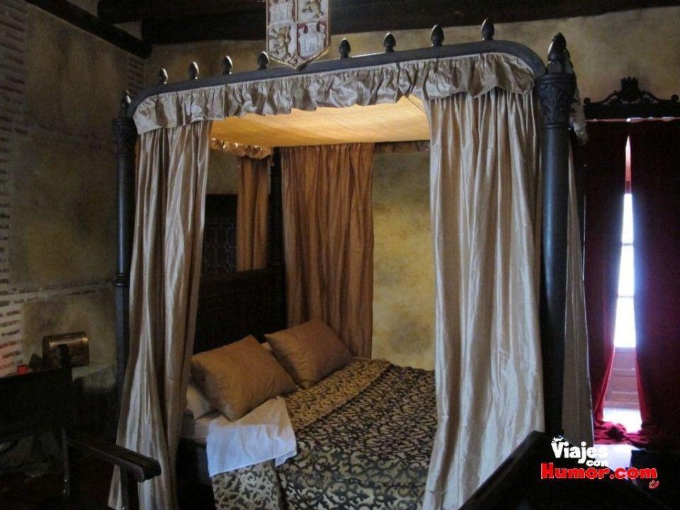 cama donde murio isabel la catolica palacio real testamentario medina del campo valladolid