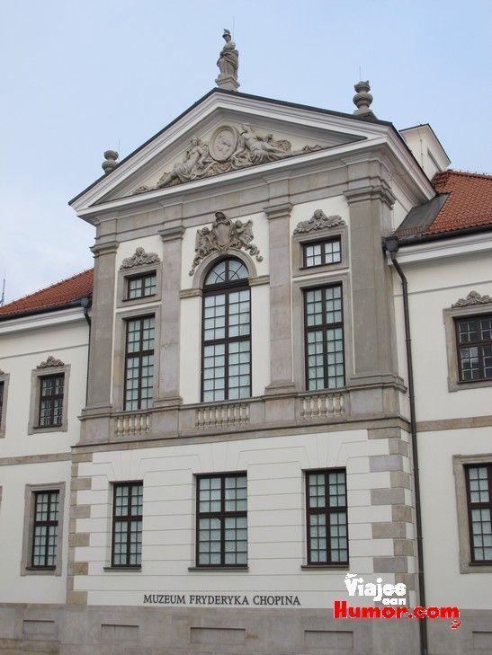 exterior museo de chopin en varsovia