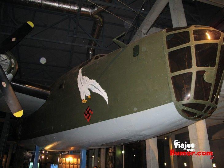 replica avion nazi museo insurreccion varsovia