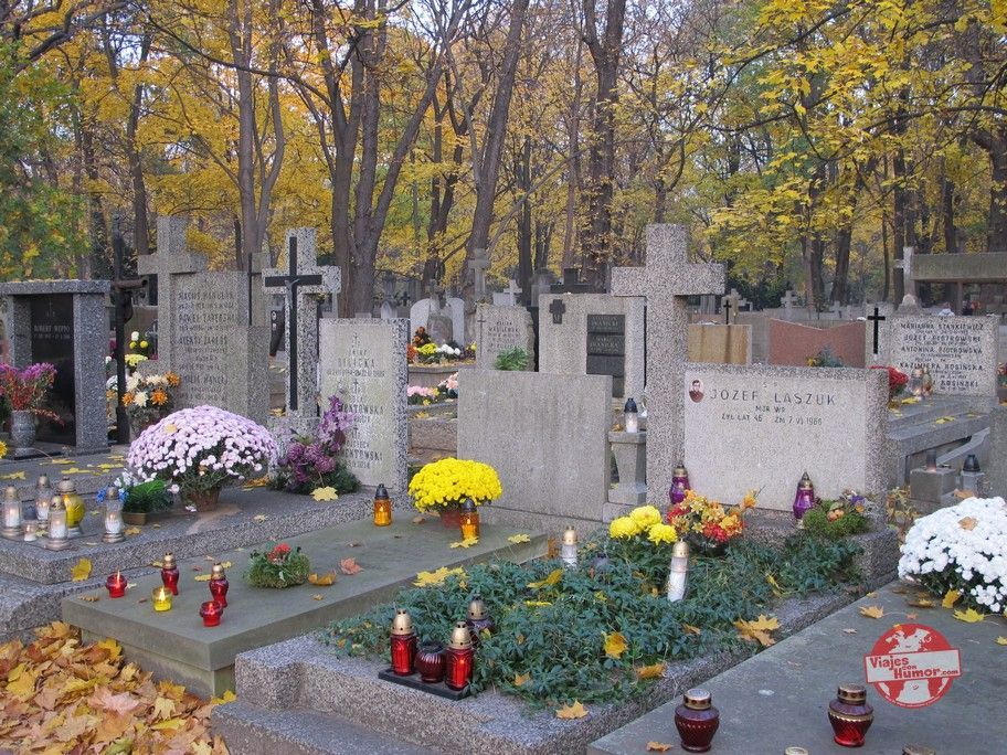 cementerio powazki varsovia