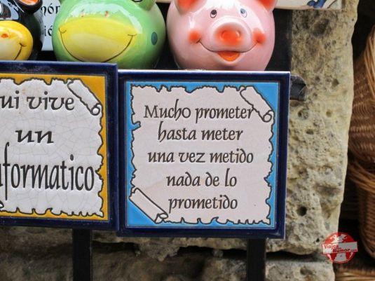 """También había otros souvenirs """"made in Segovia"""""""