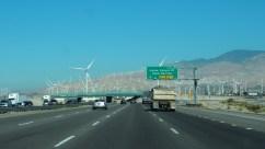 Turbinas eólicas a las afueras de LA