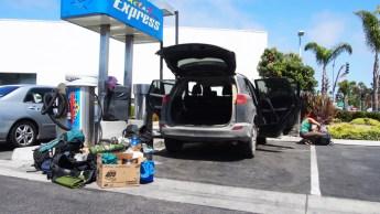 Limpiando el coche tras 8000 km de viaje