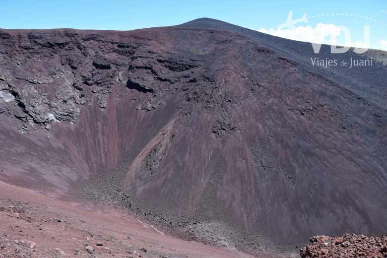 volcan morado la payunia