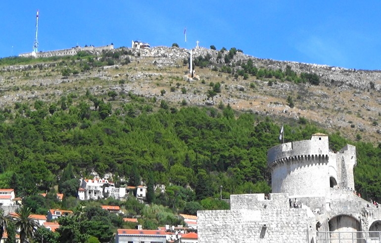 Teleférico en lo alto del monte Srd. Dubrovnik (Croacia)