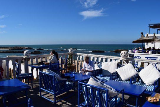 Vistas de la isla de Mogador y el océano Atlántico desde Taros Café Restaurante. Essaouira (Marruecos)