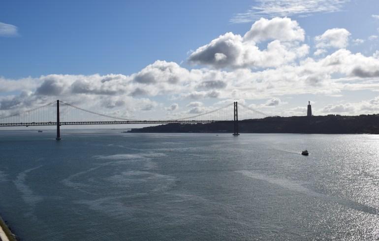 Vistas del Puente Vasco da Gama, desde el Padrão dos Descubrimentos. Lisboa (Portugal)