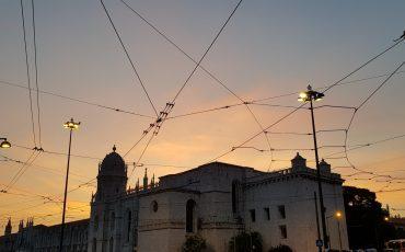 VIDEO: PRAÇA DO COMERCIO, LISBOA (PORTUGAL) MUSICA EN LA CALLE