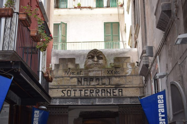 Entrada a Napoli Sotterranea, Nápoles (Italia)