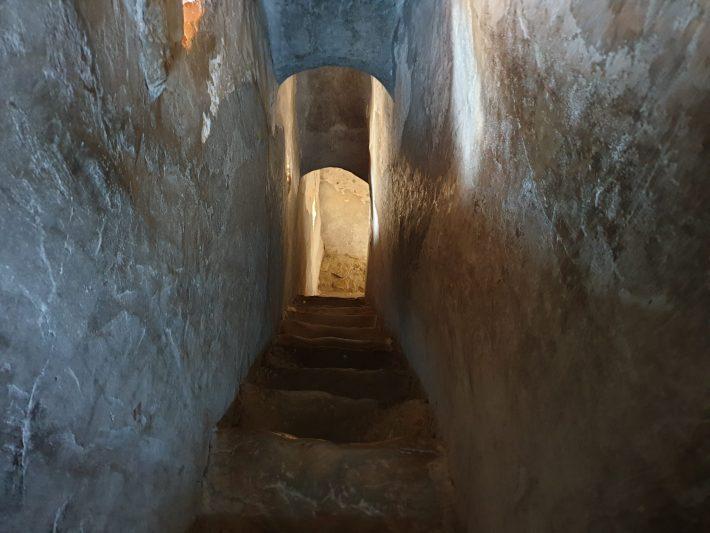 Interior de la torre defensiva del Monasterio de Humor, Bucovina (Rumanía)