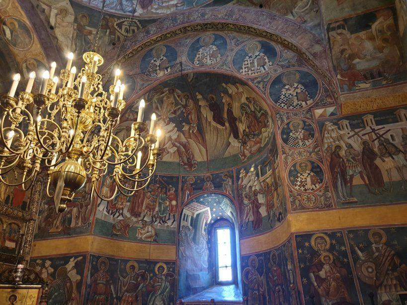 Interior del Monasterio de Voronet, Bucovina (Rumanía)