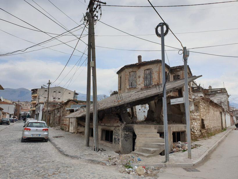 Secuelas de la guerra, Korçe (Albania)