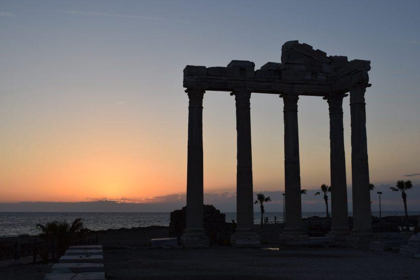 Atardecer en el Templo de Atenea, Side (Turquía)