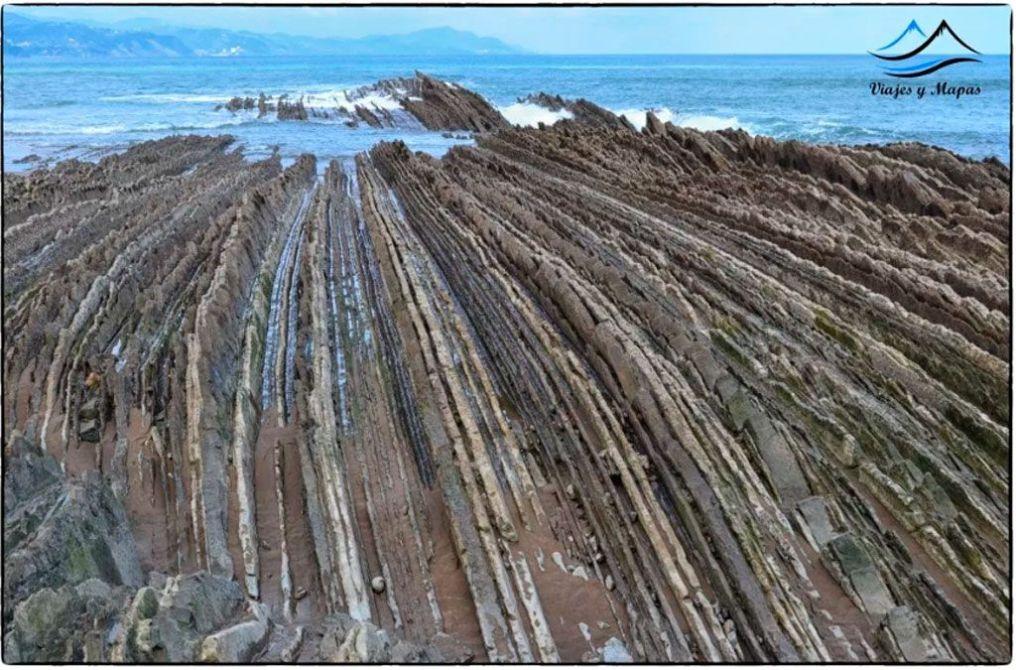 Playa-de-Itzurun-en-Zumaya