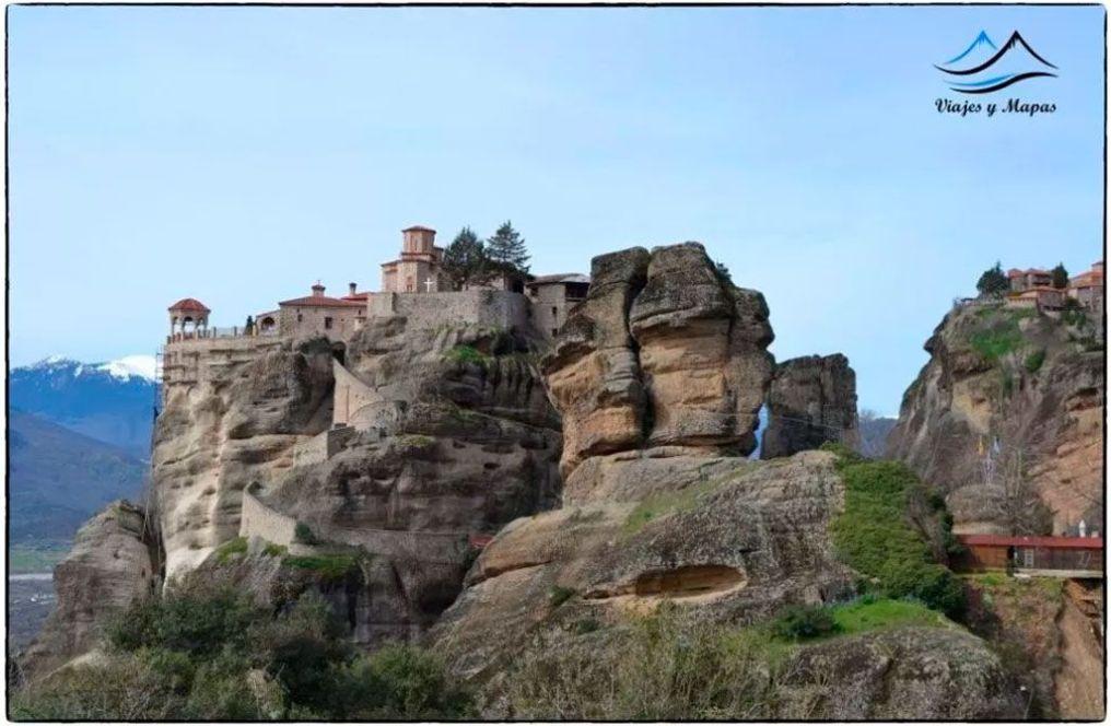 ruta-monasterios-de-meteroa
