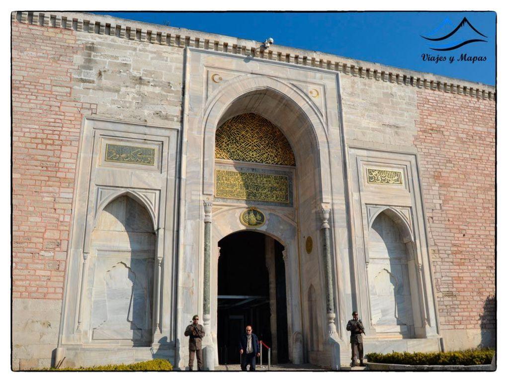 Puerta-Imperial-Topkapi