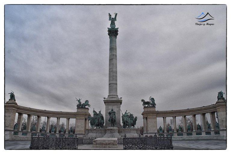 plaza-de-los-heroes-budapest