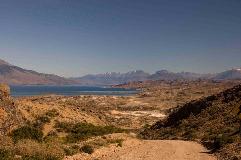 Vista del Lago Posadas y lago Pueyrredon