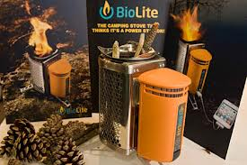 Biolite, el hornillo con el que, mientras cocinas, puedes cargar el móvil o el vapeador. Algunos compradores ponen en duda su efectividad.