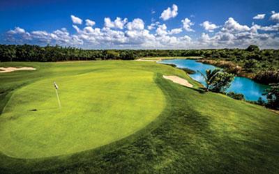 VIA NORD-tukikohta ja kotiklubi, koska golfkenttä kuuluu resort-hotelli Hard Rock Hotel