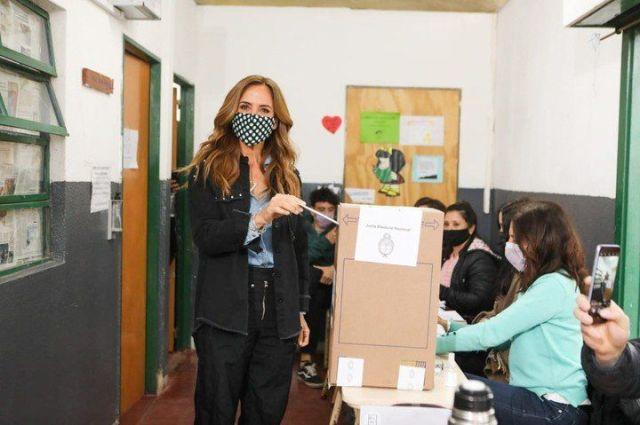 Victoria Tolosa Paz, durante su votación este domingo.