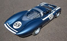 Ecurie-Ecosse-LM69-above-rear