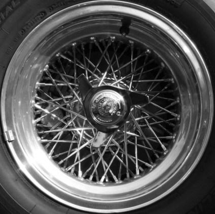Ferrari_wheel_-_Flickr_-_exfordy_1