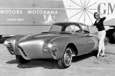 the-1956-oldsmobile-golden-rocket-was-a-retro-futuristic-wonder-machine