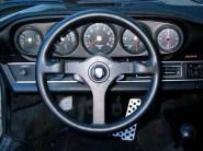 Porsche 911 Momo