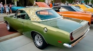 Mod-top-plymouth-barracuda