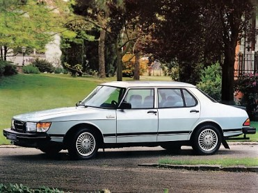 autowp_ru_saab_900_turbo_sedan_2