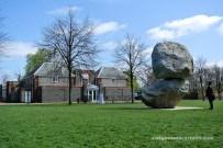 Serpentine Gallery i escultura