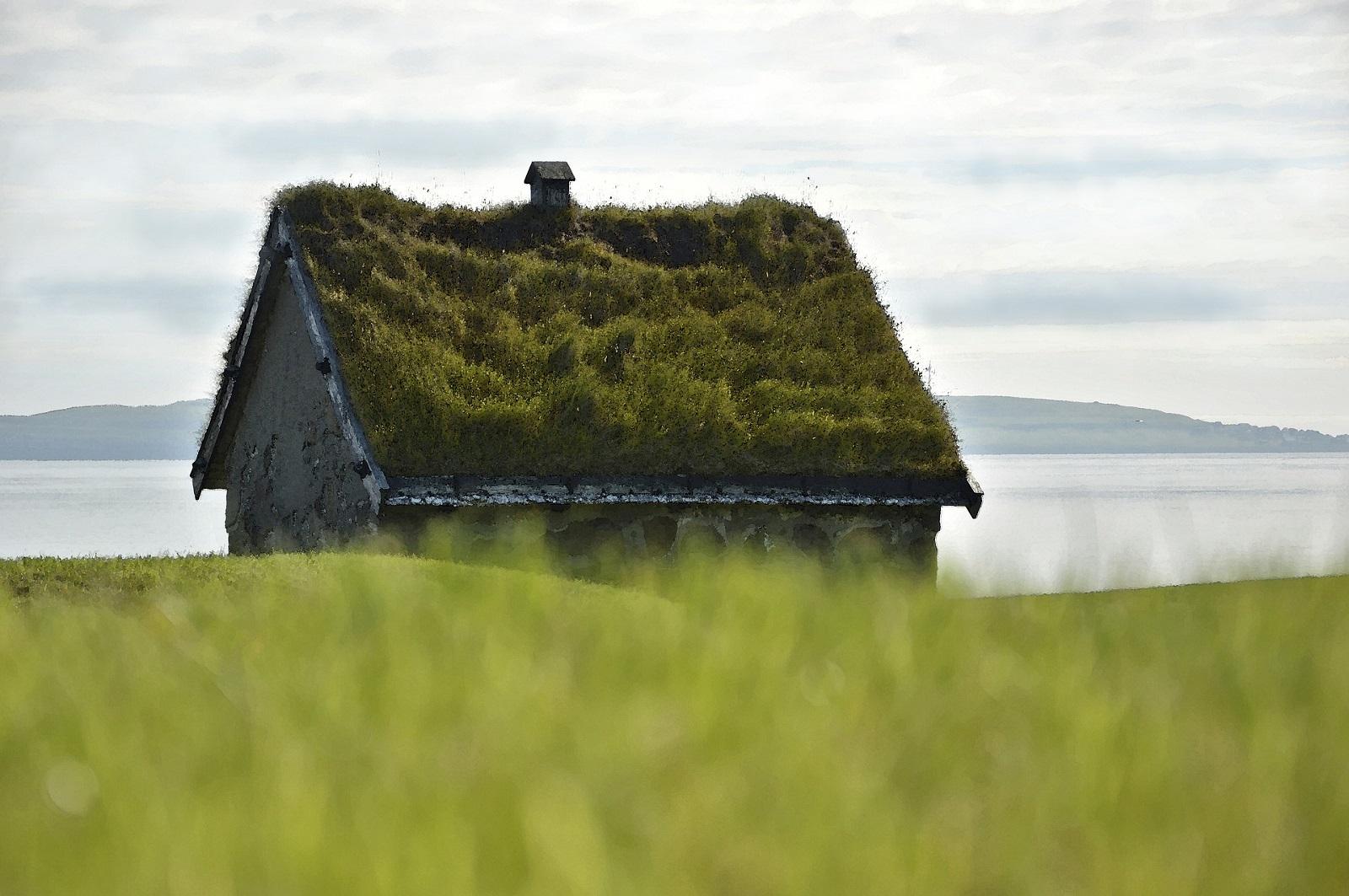 stone-house-feroe