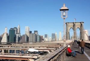 2008-10-24 (Eli a Brooklyn bridge)