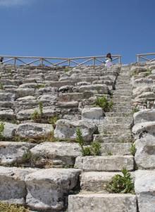 2016-06-07 (Eli a teatre grec de Segesta)