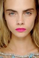 Lips07_V_1Feb13_pr_b_426x639