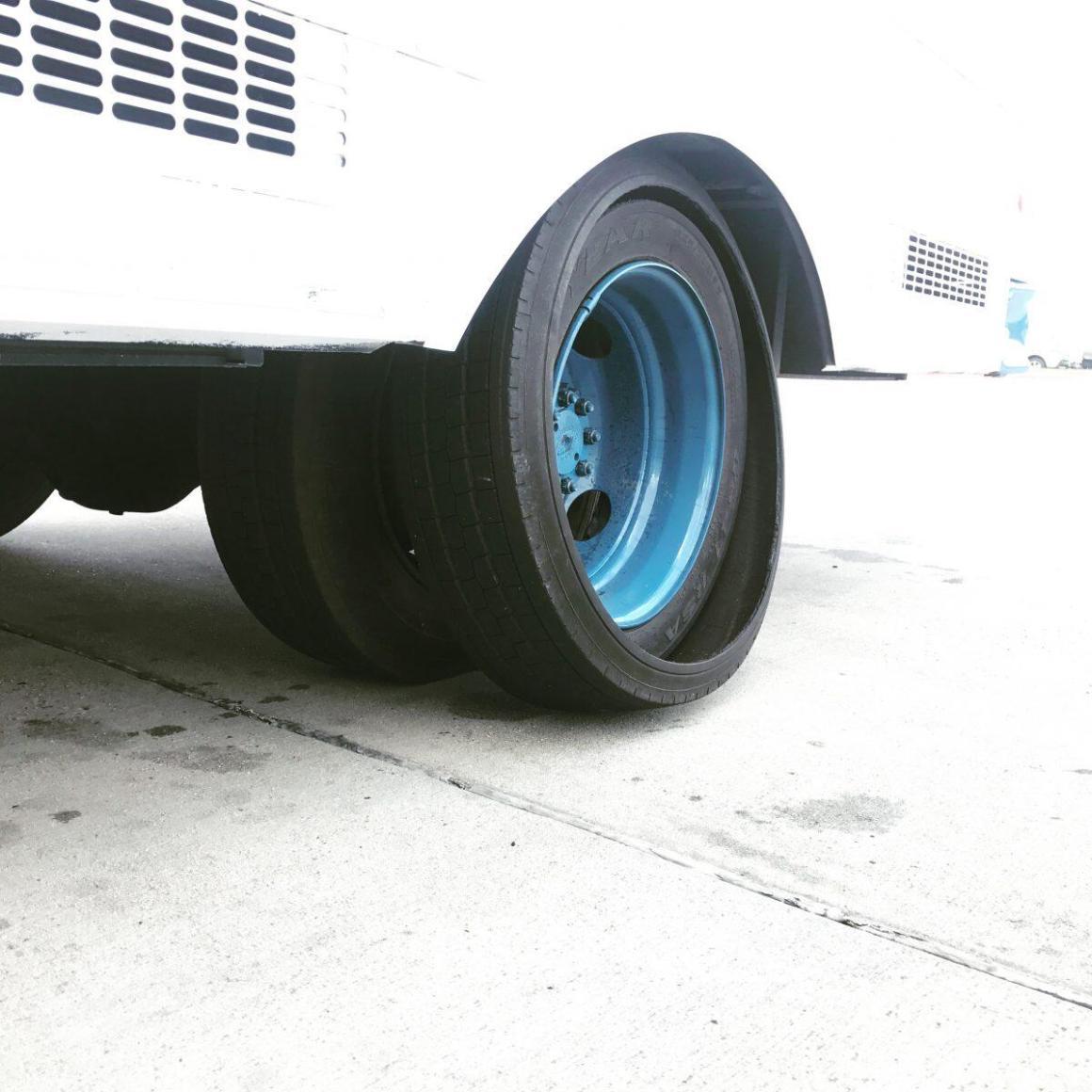 Tire go boom.