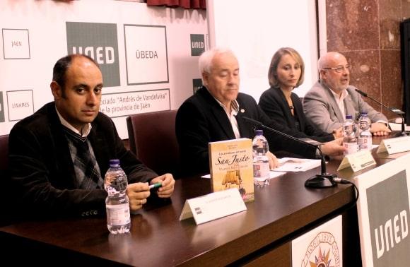 Vicente Ruiz presentó ayer en Úbeda 'Las aventuras del navío San Justo. España entre dos siglos'