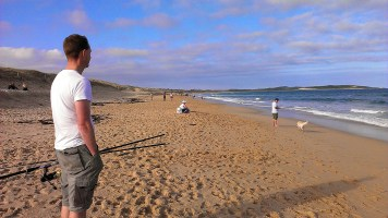 Cronulla Beach: Richard Watches Happy Dog