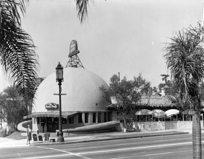 1939 Wilshire Brown Derby