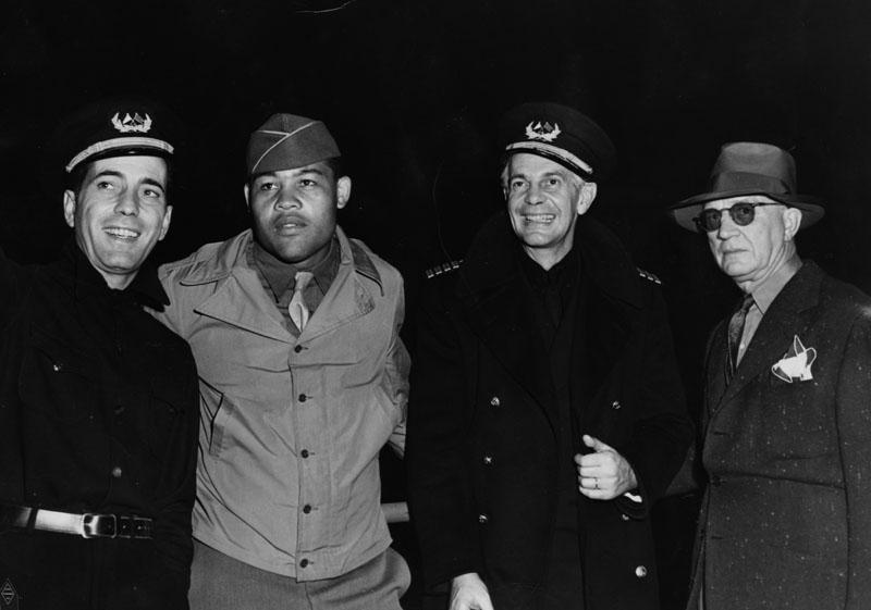 1942 photog jack woods humphey bogart joe louis raymond massey lloyd bacon