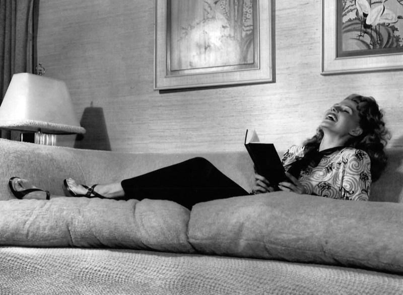 Rita-Hayworth-book