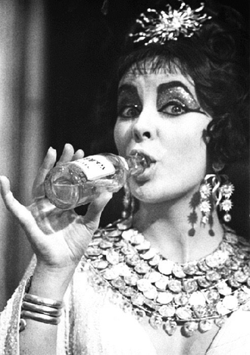 Roddy McDowall (who played Octavian) shot this candid of his friend Elizabeth Taylor on location in Rome