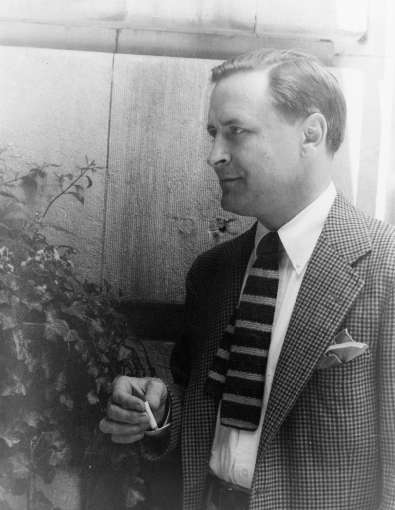 Francis_Scott_Fitzgerald_1937_June_4_(2)_(photo_by_Carl_van_Vechten) (1)