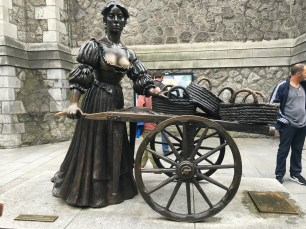 The Molly Malone Statue at Suffolk Street