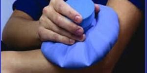 Crioterapia - aplicação de gelo (frio) no local da dor, contusão, lesão, contratura muscular - Vico Massagista, SC