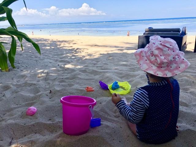Spielen im Sand - im Laguna Luxury Resort & Spa