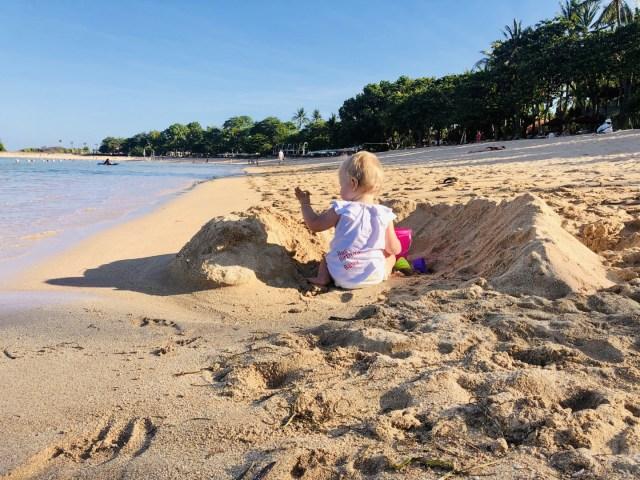 Sandburgen bauen auf Bali - im Laguna Luxury Resort & Spa