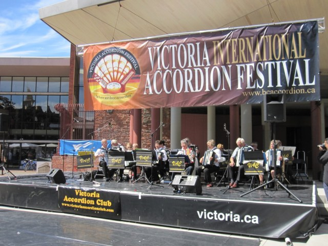 VAC band Coupe Centennial Square Aug 24_8452 copy